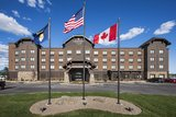 Exterior, horizontal, overall front elevation, Country Inns & Suites, Kalispell, Montana; Greg Bain & Company
