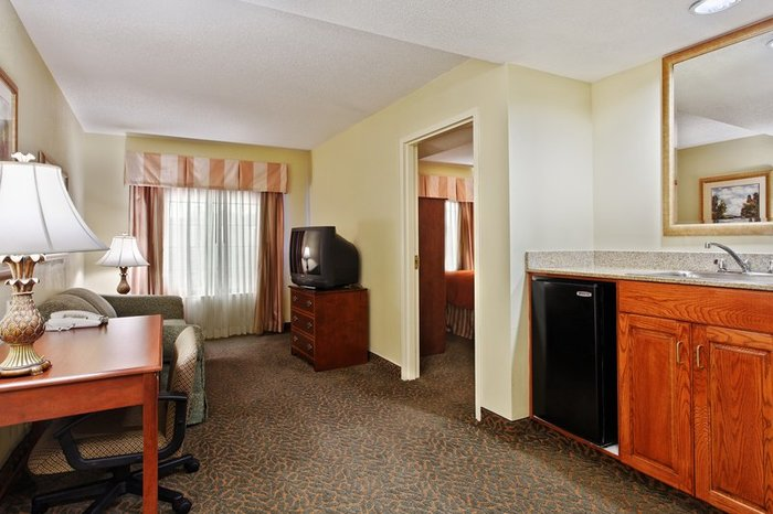 Profile Photos of Country Inn & Suites by Radisson, Raleigh-Durham Airport, NC 201 Airgate Drive, - Photo 9 of 10