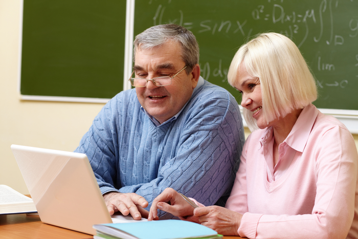 Portrait of mature man and aged female working with laptop during training course BLT Tutees - 2017 to 2018 of bespoke languages tuition (blt) Flat 3, 18 Cavendish Road - Photo 6 of 9