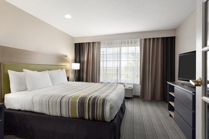 Profile Photos of Country Inn & Suites by Radisson, Romeoville, IL 1265 Lakeview Drive - Photo 7 of 10