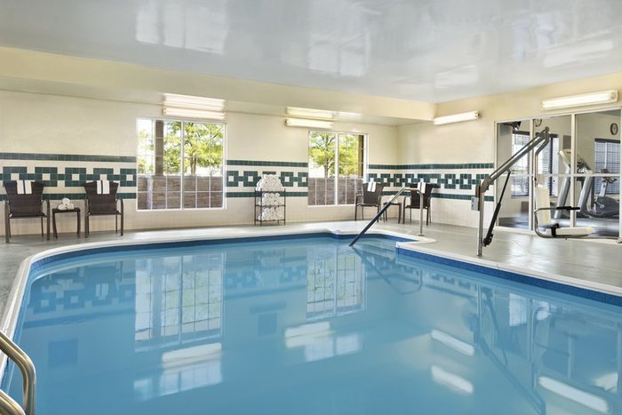 Profile Photos of Country Inn & Suites by Radisson, Romeoville, IL 1265 Lakeview Drive - Photo 9 of 10