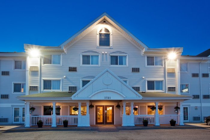 Profile Photos of Country Inn & Suites by Radisson, Regina, SK 3321 Eastgate Bay - Photo 5 of 10