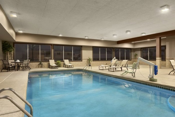 Profile Photos of Country Inn & Suites by Radisson, Shreveport-Airport, LA 664 Chase Boulevard - Photo 7 of 10
