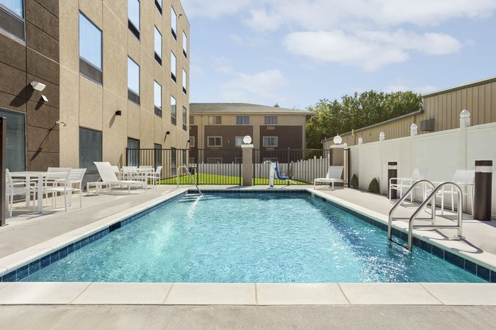 Profile Photos of Country Inn & Suites by Radisson, Slidell-New Orleans East, LA 126 Taos Street - Photo 6 of 10