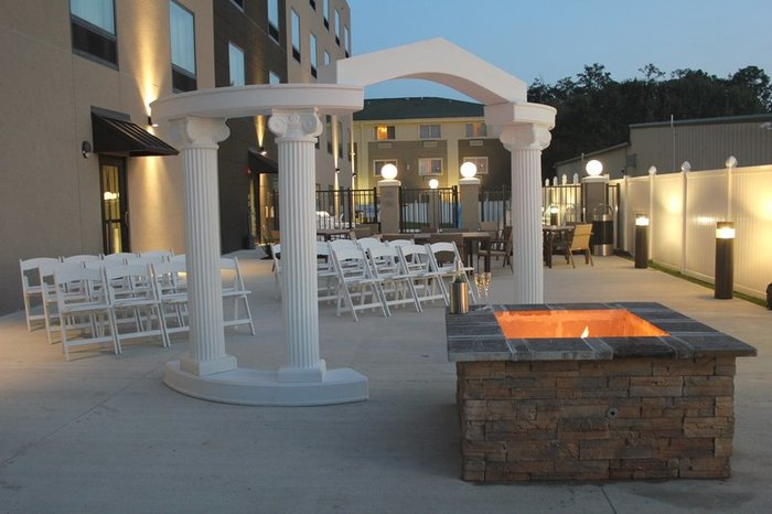 Profile Photos of Country Inn & Suites by Radisson, Slidell-New Orleans East, LA 126 Taos Street - Photo 9 of 10