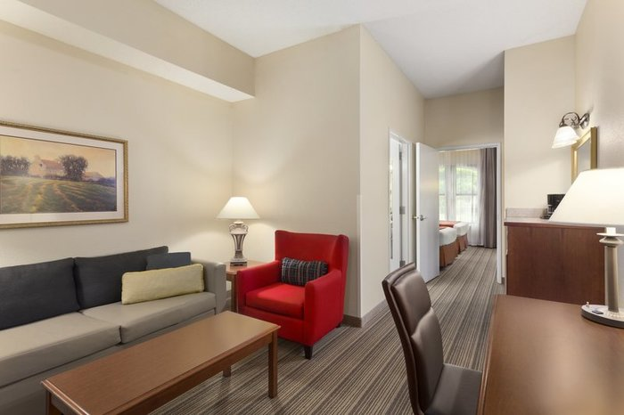 Profile Photos of Country Inn & Suites by Radisson, St. Charles, MO 1190 South Main Street - Photo 7 of 10