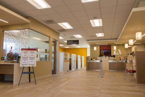 New Album of Mission Federal Credit Union 10768 Westview Pkwy - Photo 3 of 4