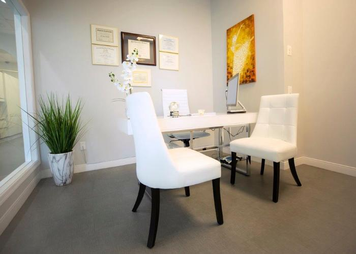 Consulting room at Lorton dentist Lorton Town Dental Lorton Town Dental of Lorton Town Dental 9010 Lorton Station Blvd Suite 135 - Photo 2 of 15