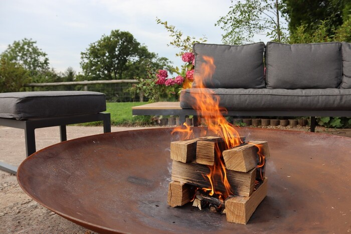 Love Logs kiln-dried logs in a firepit Profile Photos of Love Logs Unit 7, Two Woods Trading Estate - Photo 3 of 4