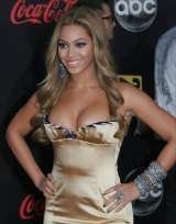 Beyonce wearing Minx, Enchanting Beauty Mobile Beauty & Holistic Therapist, Whitstable