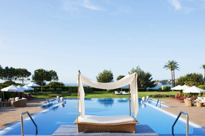 Swing your soul at our outdoor pool. Profile Photos of The St. Regis Mardavall Mallorca Resort Passeig Calvia s/n - Photo 8 of 27