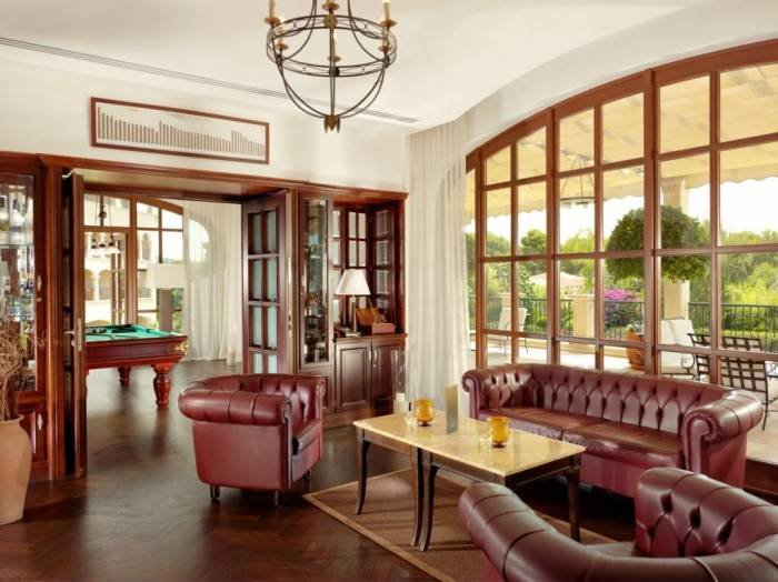 The Churchill's Lounge offers an exclusive selection of the world's best cigars and more than 100 different whiskys. Profile Photos of The St. Regis Mardavall Mallorca Resort Passeig Calvia s/n - Photo 10 of 27
