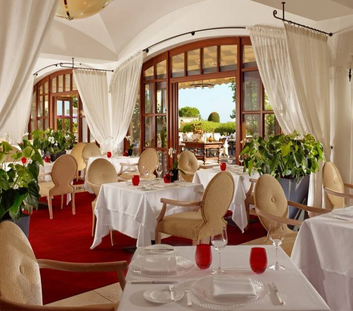 Enjoy typical Mediterranean dishes, selected regional products and our themed evenings at the restaurant Aqua. Profile Photos of The St. Regis Mardavall Mallorca Resort Passeig Calvia s/n - Photo 6 of 27