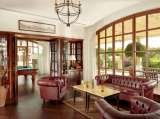 The Churchill's Lounge offers an exclusive selection of the world's best cigars and more than 100 different whiskys. The St. Regis Mardavall Mallorca Resort Passeig Calvia s/n
