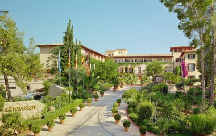 Discover the charm of a Spanish country house and let yourself be enchanted by our four Arabella golf courses. Profile Photos of Sheraton Mallorca Arabella Golf Hotel Carrer de Vinagrella, Urbanization Son Vida - Photo 21 of 23