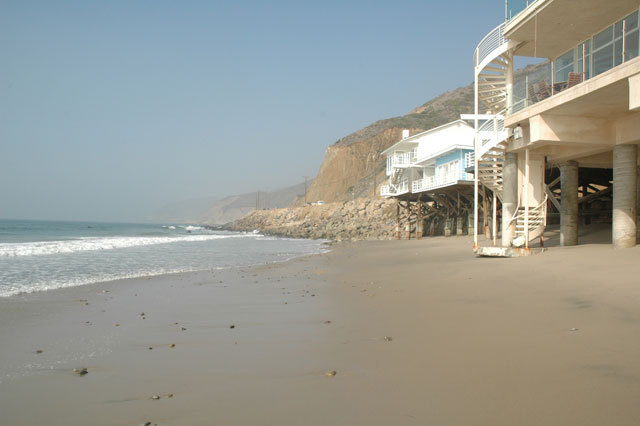 Malibu Beach House Vacation Rental of Malibu Beach House For Rent 43000 Pacific Coast Highway - Photo 13 of 13