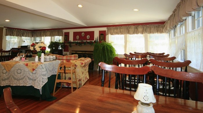Profile Photos of Tern Inn and Cottages 91 Chase St - Photo 2 of 4