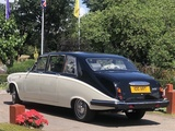 DS420 Daimler limousine Elegance Wedding Cars Wedding Car Hire London Elmcroft Avenue
