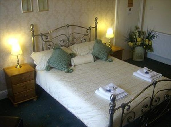 Profile Photos of Guest House Whitby - Rosslyn House, UK Rosslyn Guest House 11 Abbey Terrace - Photo 3 of 6