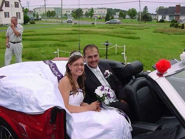 Yes we do weddings at the Inn. Please call.   We have a beautiful park and bandstand right across the street.                            Profile Photos of Harbour Tide Inn ~ Bed & Breakfast 725 Main Street - Photo 73 of 83
