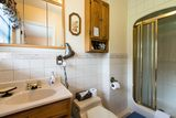 The Harbour Captain's 3 piece bath with shower. Harbour Tide Inn ~ Bed & Breakfast 725 Main Street