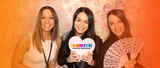 Awesome Photobooths | Wedding Photobooth Hire | Party Photo Booth