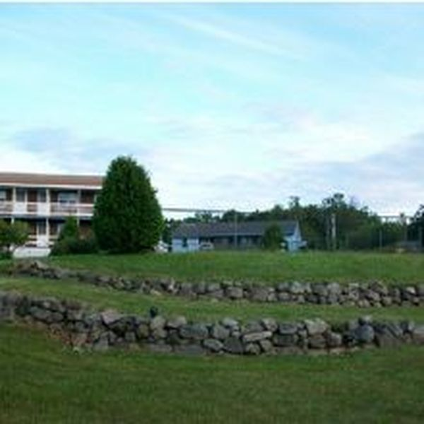 Profile Photos of The Inn Between the Beaches & The Villager Motel 14 Long Beach Ave - Photo 4 of 4