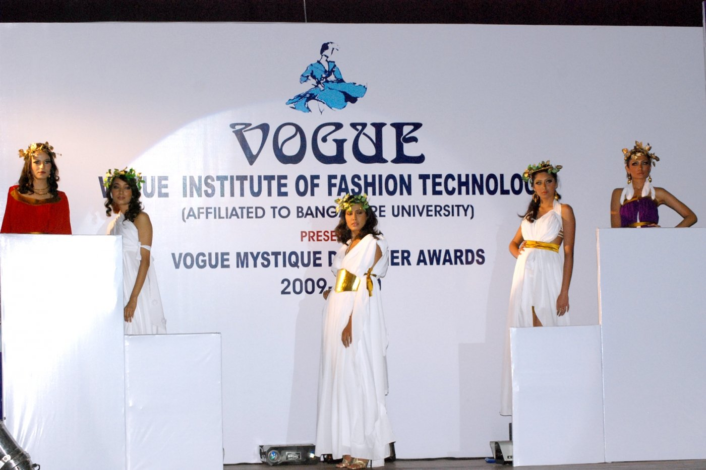 Vogue institute of fashion technology in bangalore 48