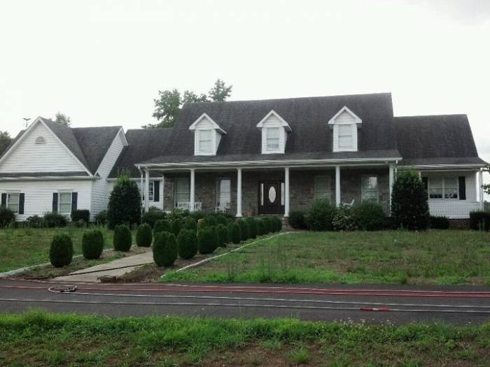 Profile Photos of Gutterdogs Roof & exterior cleaning 3511 pinevale ave. - Photo 30 of 53