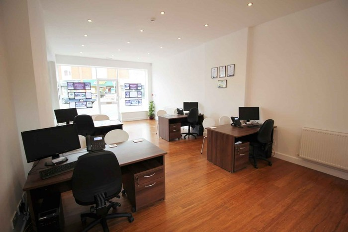 Profile Photos of Phillips George Estate Agents 46 Long Street - Photo 3 of 4