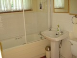 Flat bathroom, Honeysuckle Cottage Bed & Breakfast, Broughton Gifford