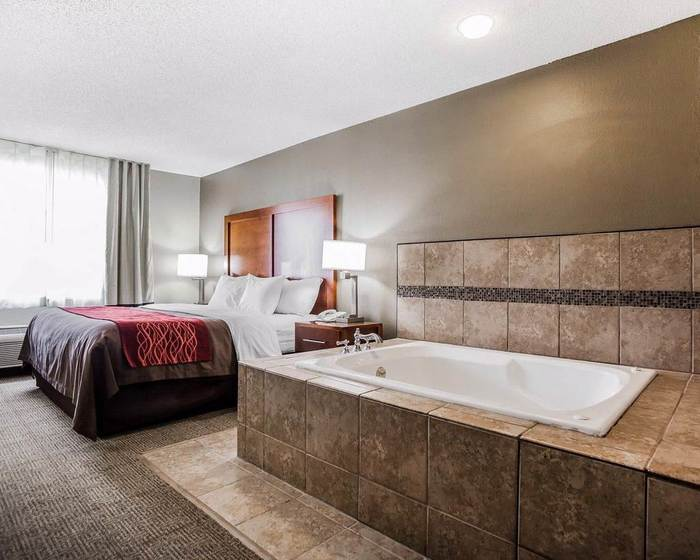 Profile Photos of Comfort Inn Moberly 1801 West Outer Road - Photo 3 of 5