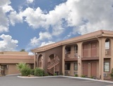 Profile Photos of Howard Johnson Inn & Suites St. George