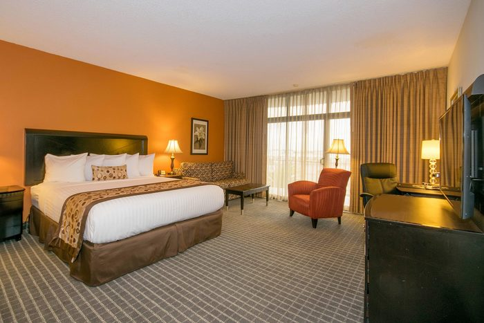 Profile Photos of Oakland Airport Executive Hotel 150 Hegenberger Rd - Photo 4 of 5