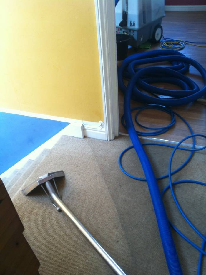 CARPET CLEANING IN BRISTOL AND NORTH SOMERSET RECENT CARPET CLEANING of Carpet Cleaning Bristol - KSW - Cleaning Services 24 Mendip Rd - Photo 1 of 2