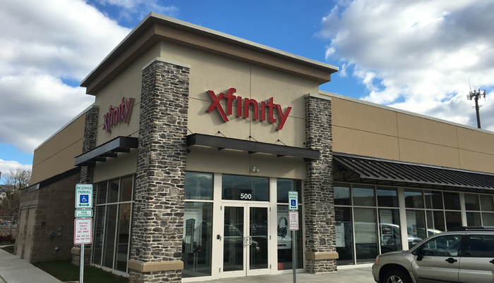 Profile Photos of XFINITY Store by Comcast 257 Davis Rd - Photo 1 of 4