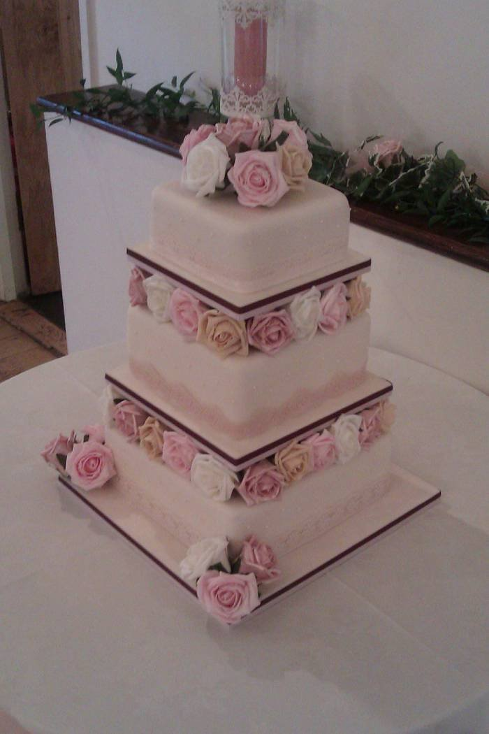 Wedding Cakes of GemCakes 55 Greenhill Avenue - Photo 11 of 12