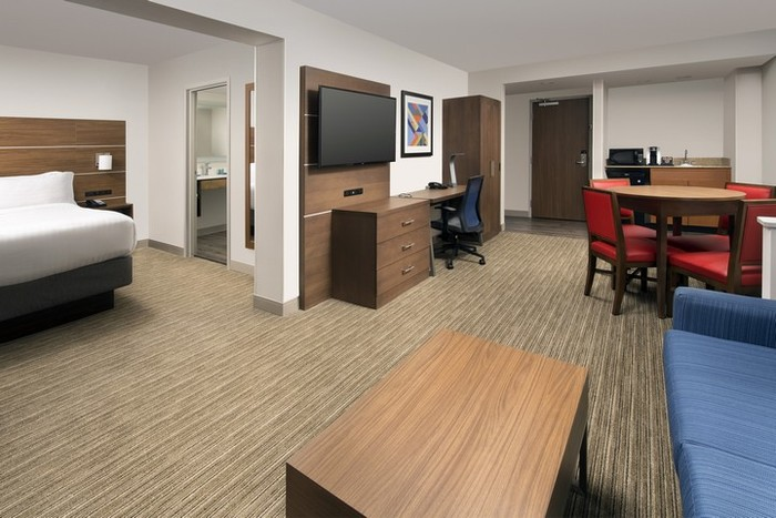 Profile Photos of Holiday Inn Express & Suites Baltimore - BWI Airport North 1510 Aero Drive - Photo 18 of 22