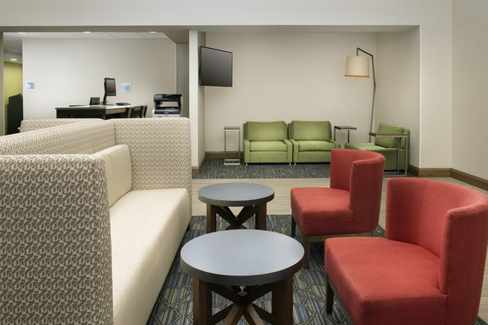 Profile Photos of Holiday Inn Express & Suites Baltimore - BWI Airport North 1510 Aero Drive - Photo 19 of 22