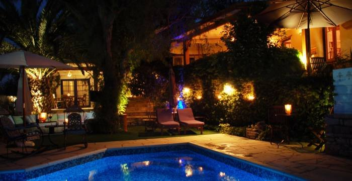 The garden at night Profile Photos of Little Lodge Bijou B&B CYPRUS 14 ay minas - Photo 11 of 18