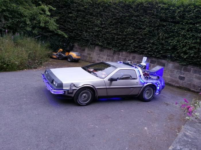Delorean Flux Bands Profile Photos of Delorean Hire - Delorean Weding Car - Delorean Time Machine Leeds - Photo 34 of 36