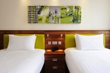 Twin Guest Room at Hampton by Hilton Newport/East