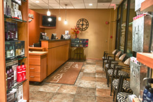 Orland Park Beauty Salon Profile Photos of Lisa Thomas Salon in Orland Park 8132 W 143rd St - Photo 5 of 7