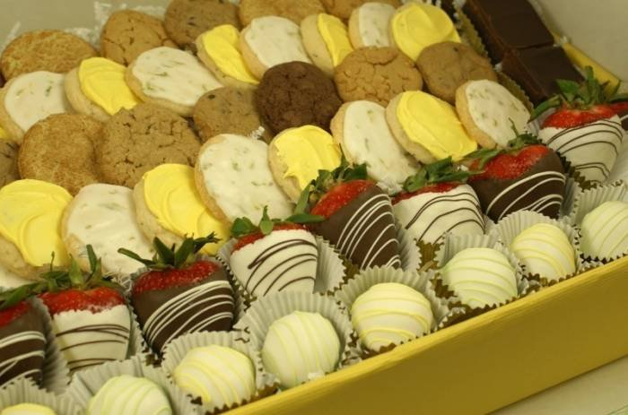 Delicious Cookies of Ingallina's Box Lunch a Corporate Catering Company Los Angeles 2010 Wilshire Blvd STE R - Photo 7 of 10