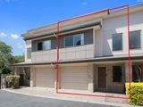 Link Living secure complex with bbq and pool, LinkLiving Fortitude Valley, Fortitude Valley