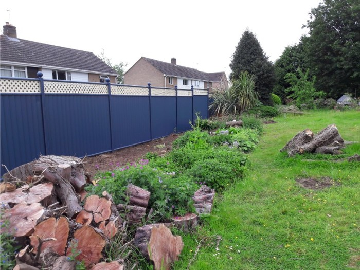 Blue ColourFence ColourFence Examples of ColourFence Garden Fencing - Harborough 10 Station St, - Photo 1 of 7