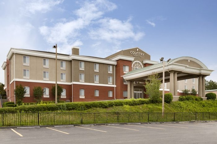 Profile Photos of Country Inn & Suites by Radisson, Commerce, GA 30539 US Hwy 441 - Photo 7 of 10