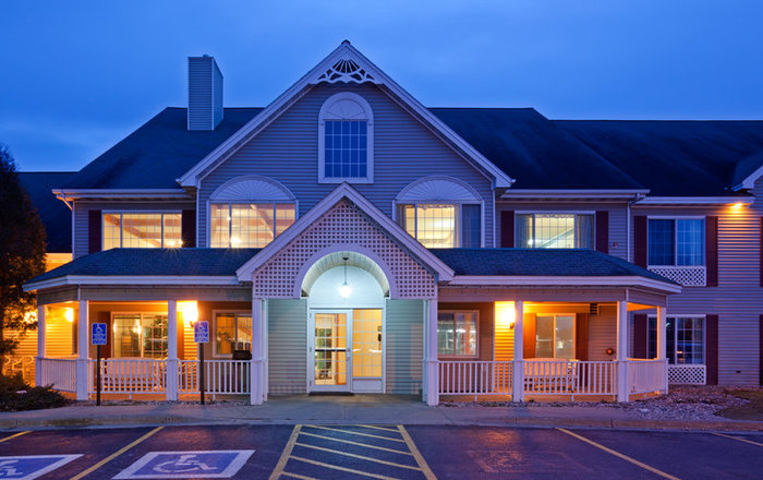Profile Photos of Country Inn & Suites By Radisson, Detroit Lakes, MN 1330 Highway 10 East - Photo 5 of 10