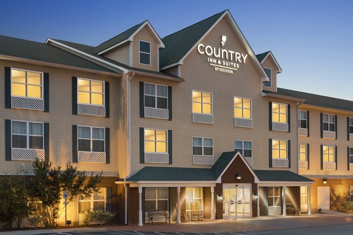 Profile Photos of Country Inn & Suites by Radisson, Dothan, AL 3465 Ross Clark Circle - Photo 4 of 10