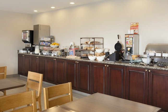 Profile Photos of Country Inn & Suites by Radisson, Harrisonburg, VA 27 Covenant Drive - Photo 4 of 10